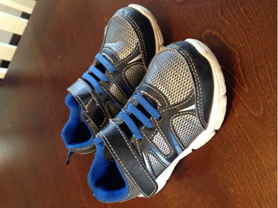 Picture of Boys Starter Tennis Shoes size 10